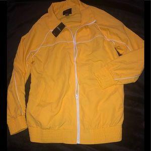 ⭐️NWT Yellow windbreaker jacket